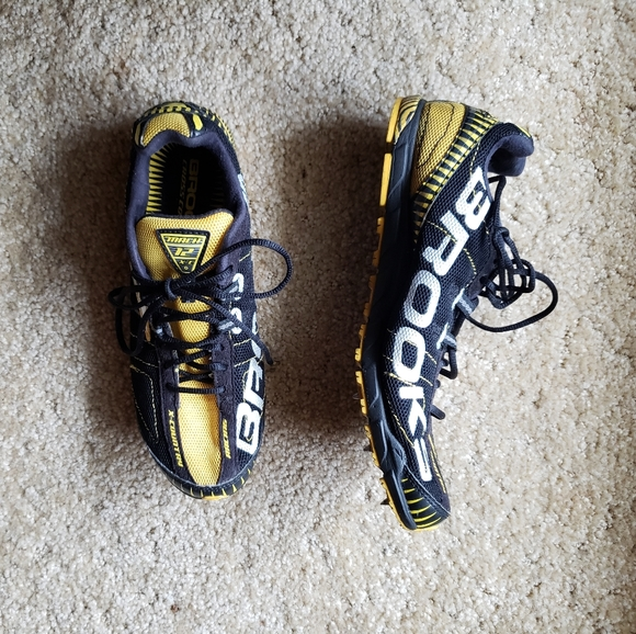 Brooks Shoes | Mach 12 Xc Running Track